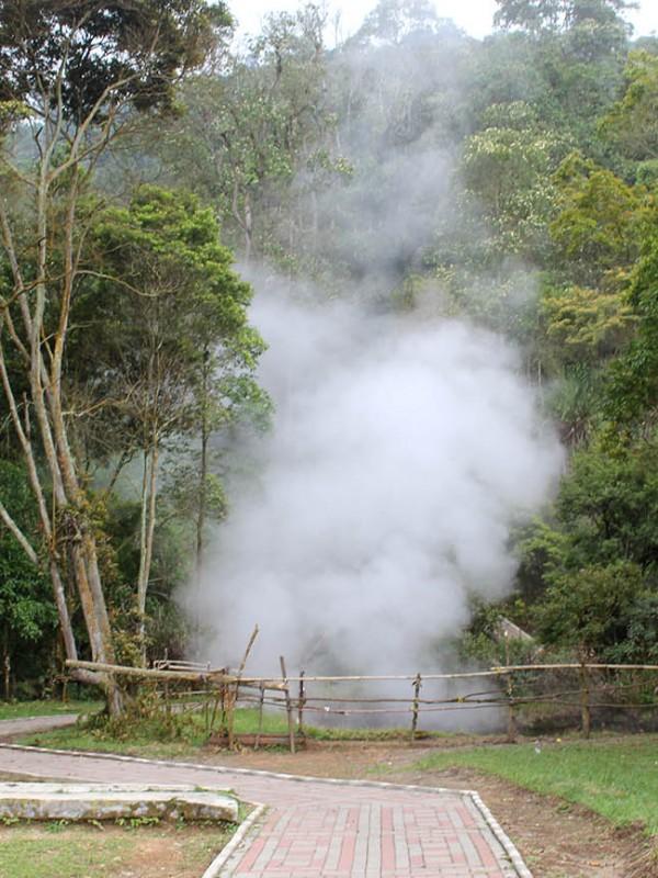 Kawah Kamojang (Paket Wisata Garut, Wisata Edukasi Geothermal Kamojang)