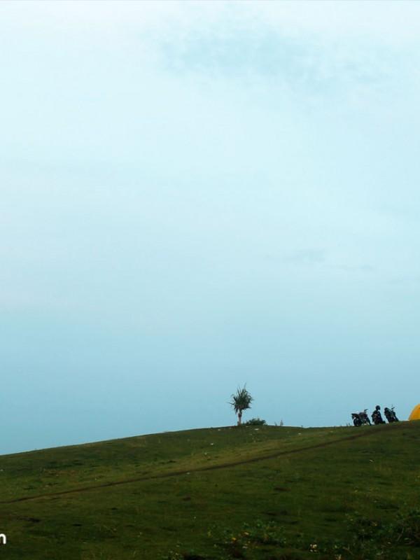 Pasir Pogor - 10 Tempat Camping Alternatif di Garut. Camping di Garut. Foto Dokumentasi Jelajah Garut.