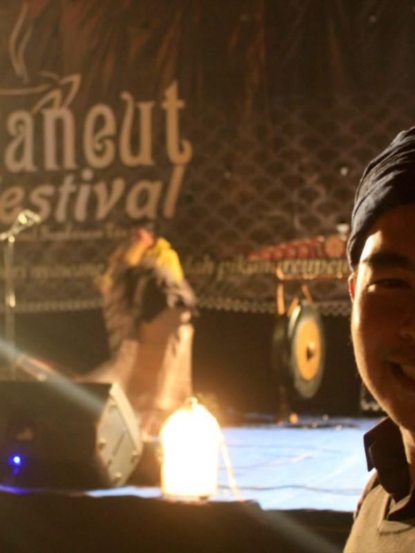 Kang Dasep Badrussalam, perintis sekaligus ketua panitia Nyaneut Festival 2016