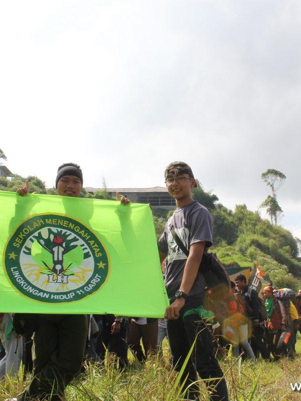 Pelajar dari organisasi Lingkungan Hidup SMAN 11 Garut (Paket Wisata Garut, Wisata Edukasi Garut, Paket Study Tour Garut)