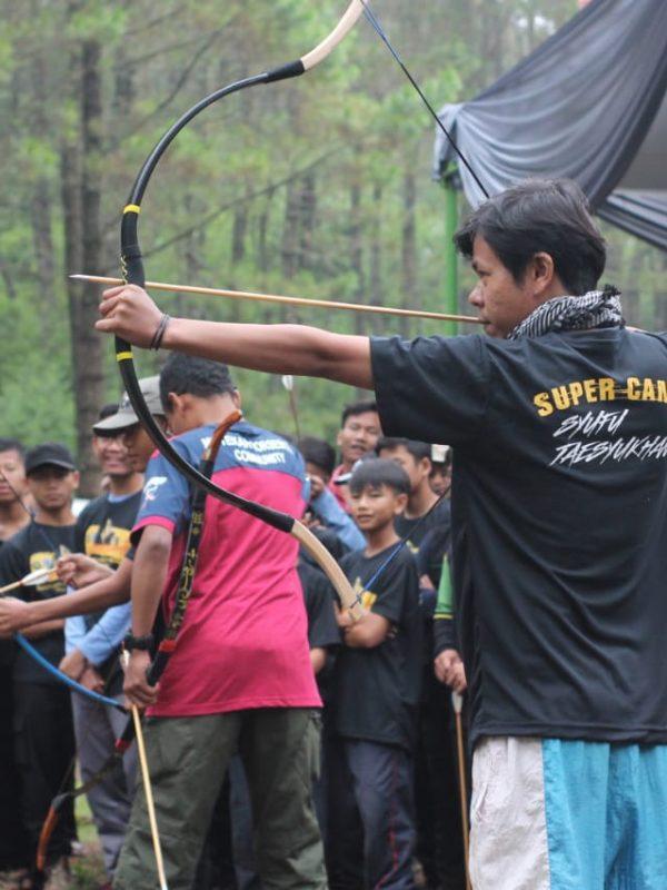 Kegiatan Panahan di acara Super Camp Shurulkhan Nie Syufu Taesyukan 2018 di Camping Ground Cibeureum, Samarang, Garut